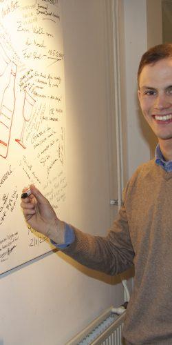 Lorenz Haas signeert ons Frame of Fame