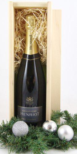 relatiegeschenk-henriot-champagne-in houten-geschenkkistje-verkrijgbaar-bij-le-grand-cru-heemstede