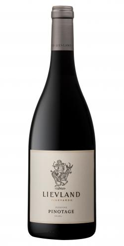 le-grand-cru-rode-wijn-zuid-afrika-pinotage-bushvine-lievland-vineyards-2018